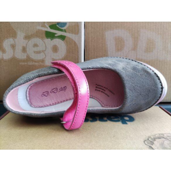 D.D. Step szandálcipő 25,27,29,30-s méretben