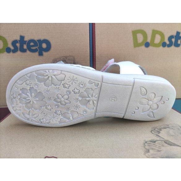 D.D. Step lány bőr szandál 31,32,33,34,36-s méretben