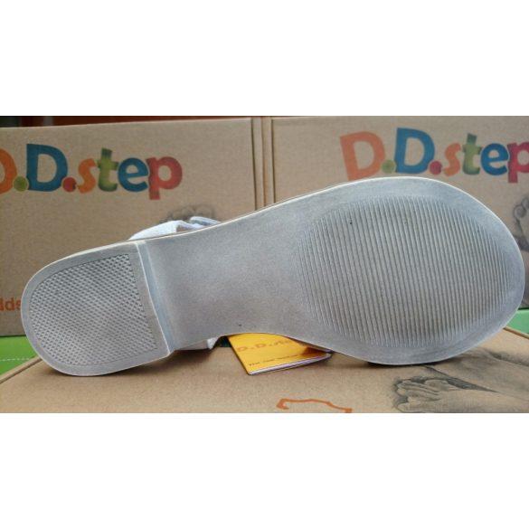 D.D. Step lány bőr szandál 28,32-s méretben